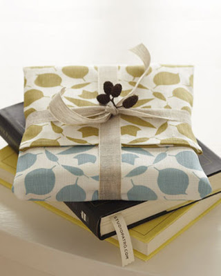 tea-towel-wrapping-paper