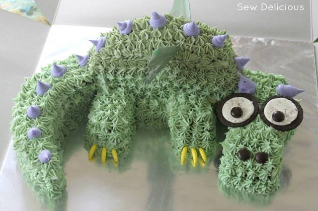 dragon-cake-front-view