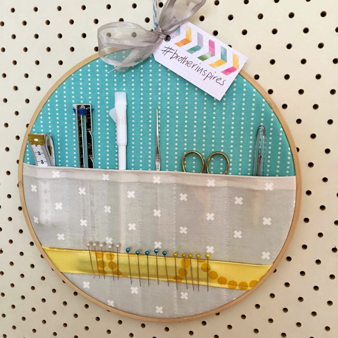 Embroidery hoop tool caddy