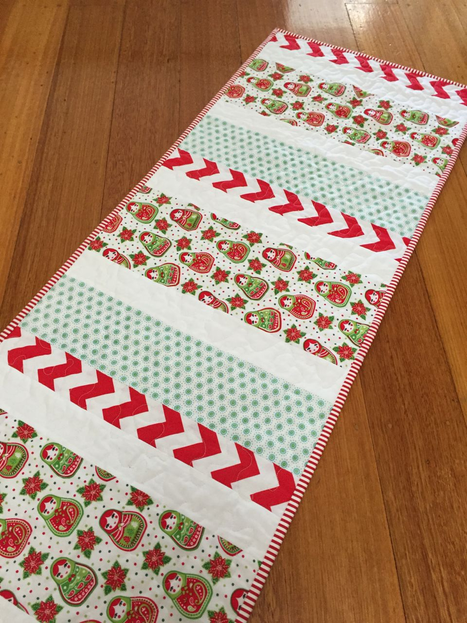 Candy Stripe Christmas Table Runner Tutorial - Sew Delicious