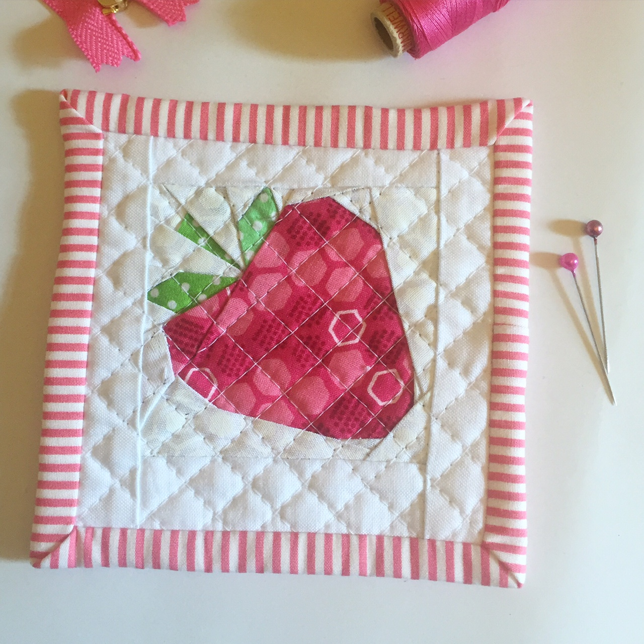 Mini Strawberry Quilt